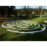 Bauen eines Labyrinths und Rituale im Labyrinth
