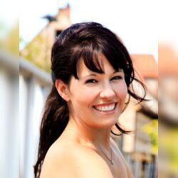 Jennifer Eder - freie Rednerin mit Herz