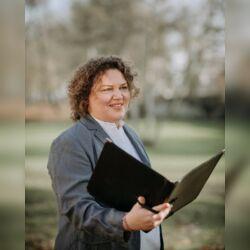 Freie Rednerin und Zeremonienmeisterin Daniela Dietz für alle Feiern des Lebens