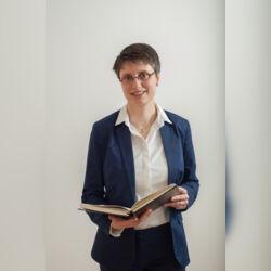 freie Trauerrednerin Katharina Grill