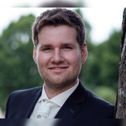 Freier Redner Maximilian Hellmuth