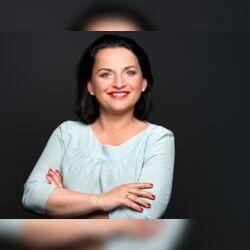 Yvonne Bayer - Traurednerin
