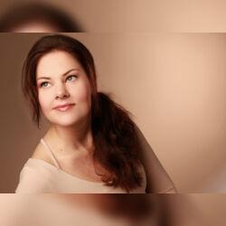 Janine Bischoff - Frei Rednerin -