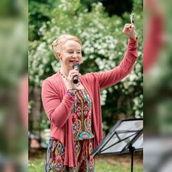 Wortreich - Anna Scheuenstuhl - Freie Rednerin